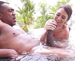 Jules Jordan - Riley Reid Found Dredd's Sea Monster. It Finds Its Way To Her ASS!