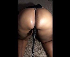 Ghetto milf squirts on sex machine