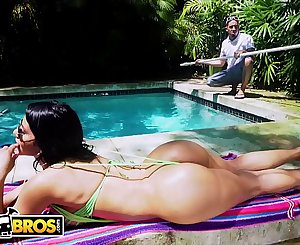 BANGBROS - Rose Monroe Drops That Perfect Latin Booty On Bruno Dickemz's Fat Dick (ANAL)