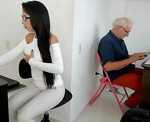 Con el abuelo Parte1